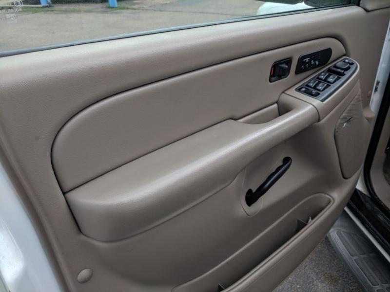Chevrolet Suburban 2006 price $5,450