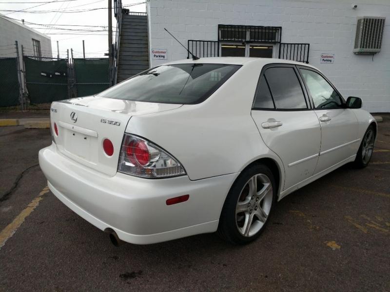 Lexus IS 300 2001 price $4,450