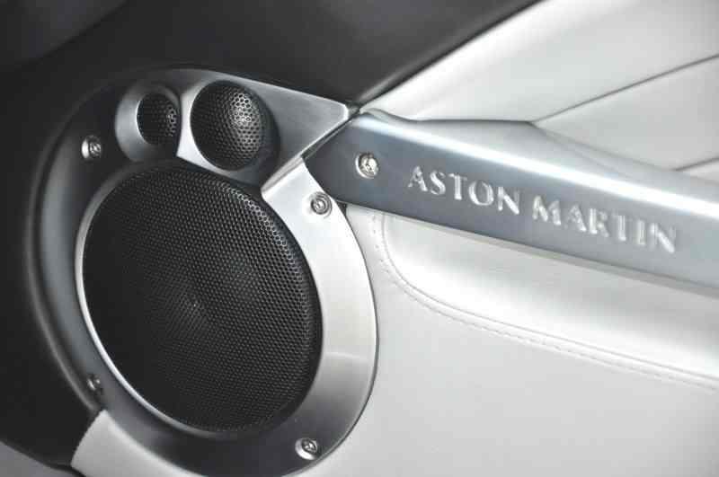 Aston Martin Vanquish 2003 price $87,500