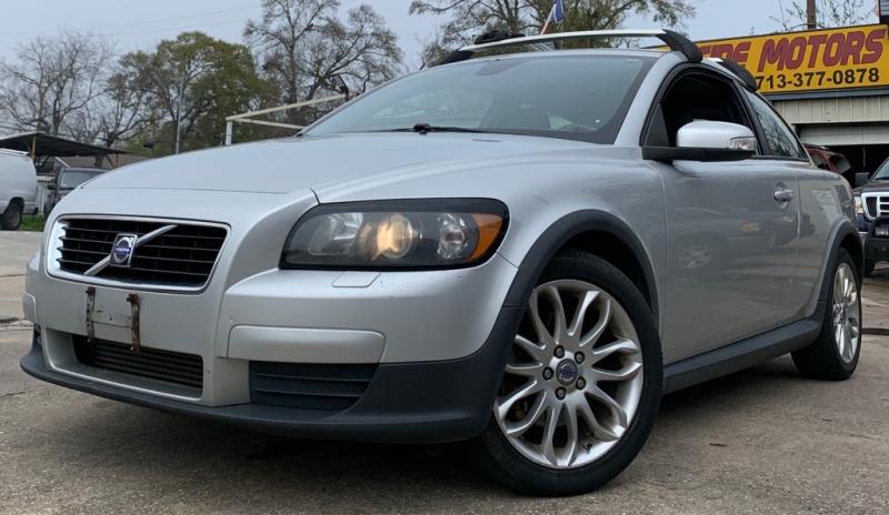 Volvo C30 2009 price $2,990