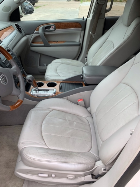 Buick Enclave 2010 price $7,500