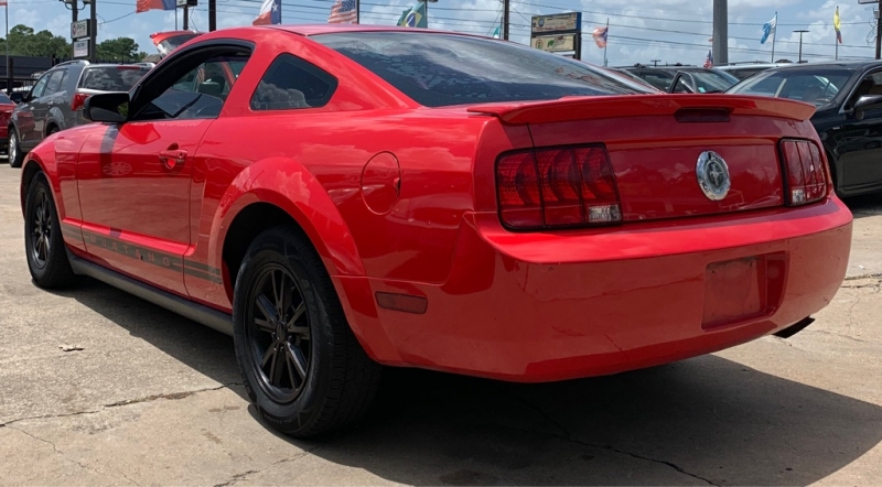 Ford Mustang 2007 price $4,250