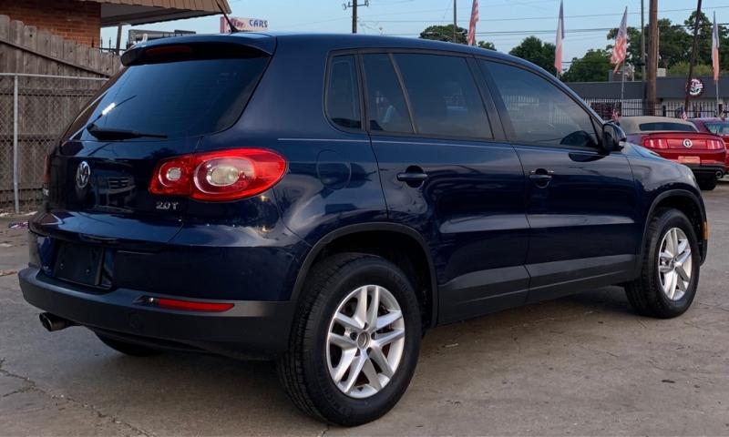 Volkswagen Tiguan 2011 price $5,690