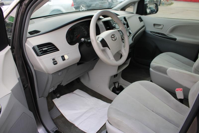 Toyota Sienna 2012 price $7,250