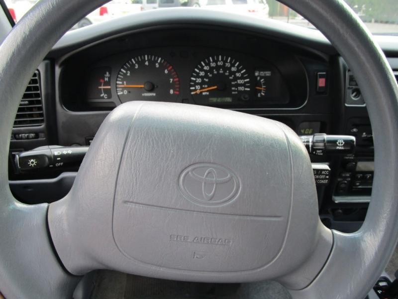 Toyota Tacoma 2000 price $5,985