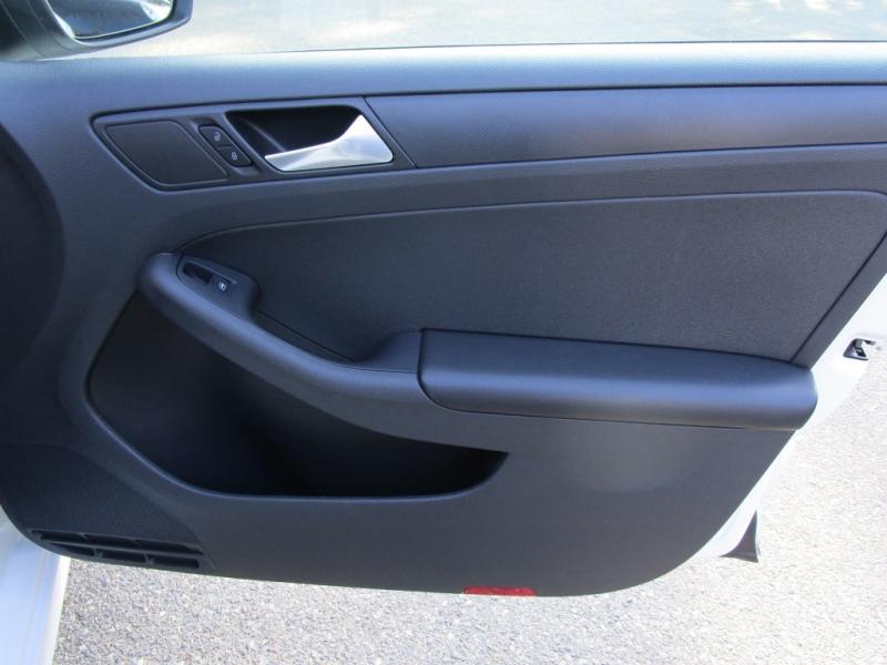 Volkswagen Jetta VI 2015 price $9,497