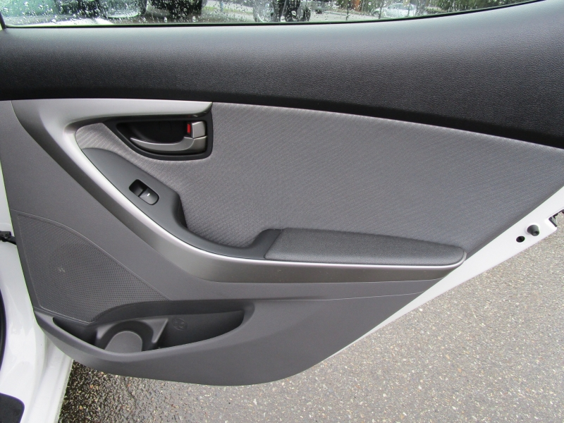 Hyundai Elantra 2013 price $7,985