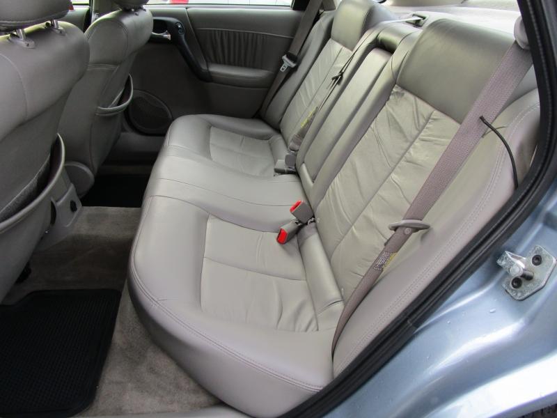 Saturn L-Series 2004 price $4,685
