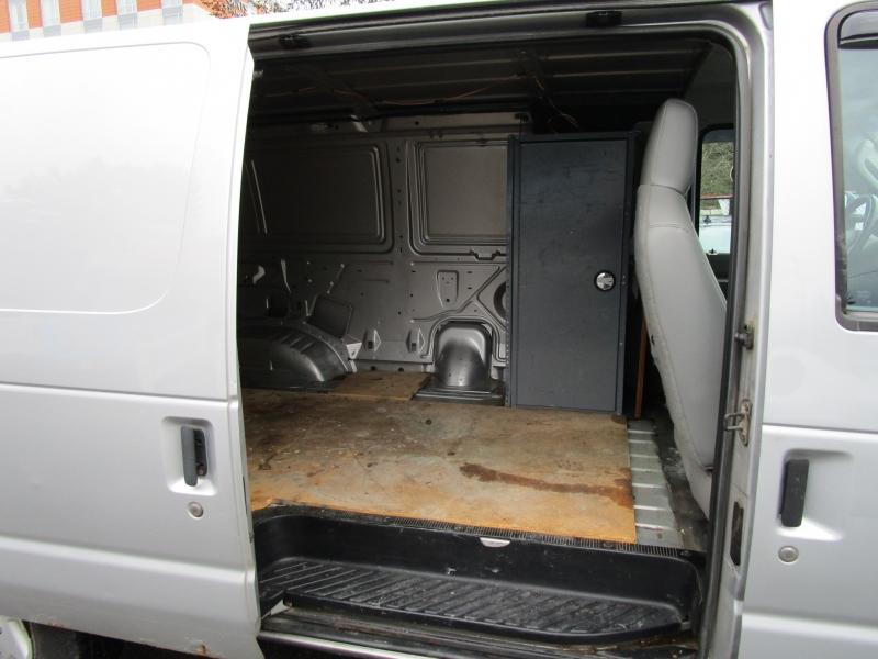 Ford Econoline Cargo Van 2009 price $6,885