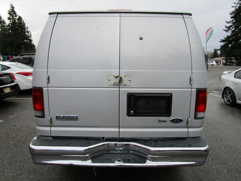 Ford Econoline Cargo Van 2009 price $6,985
