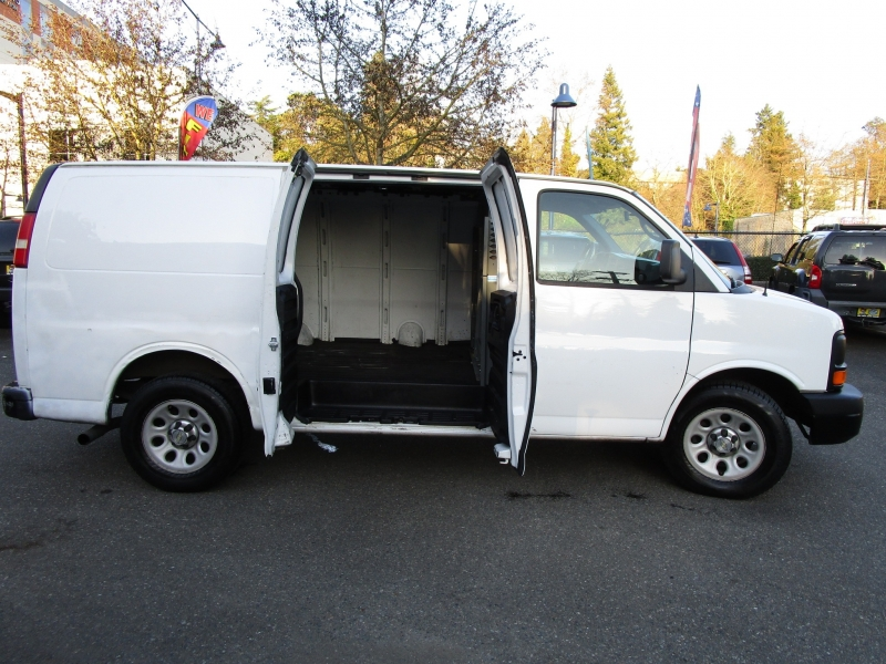 Chevrolet Express Cargo Van 2012 price $7,285