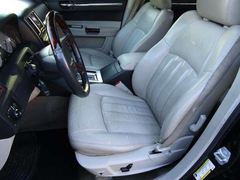Chrysler 300 2007 price $6,485
