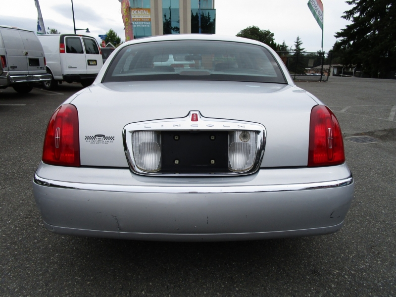 Lincoln Town Car 1998 price $3,885