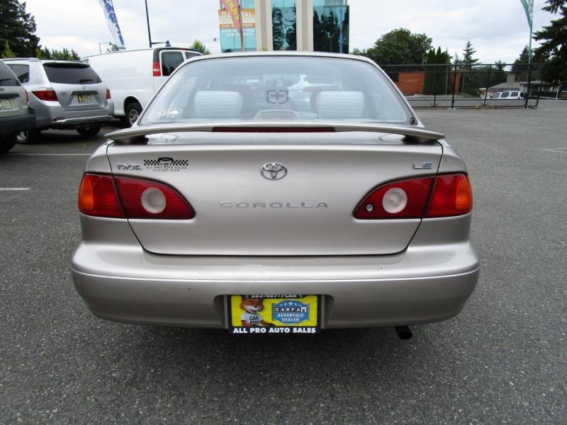 Toyota Corolla 2002 price $3,985