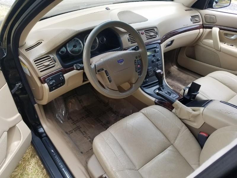 Volvo S 80 2004 price $3,995
