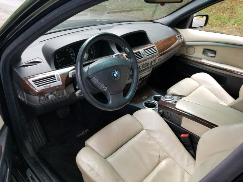 BMW 7-Series 2006 price $7,995