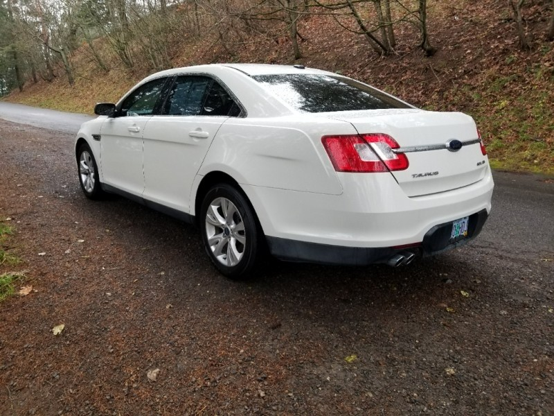 Ford Taurus 2010 price $8,888