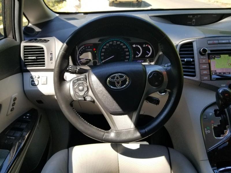 Toyota Venza 2015 price $14,995