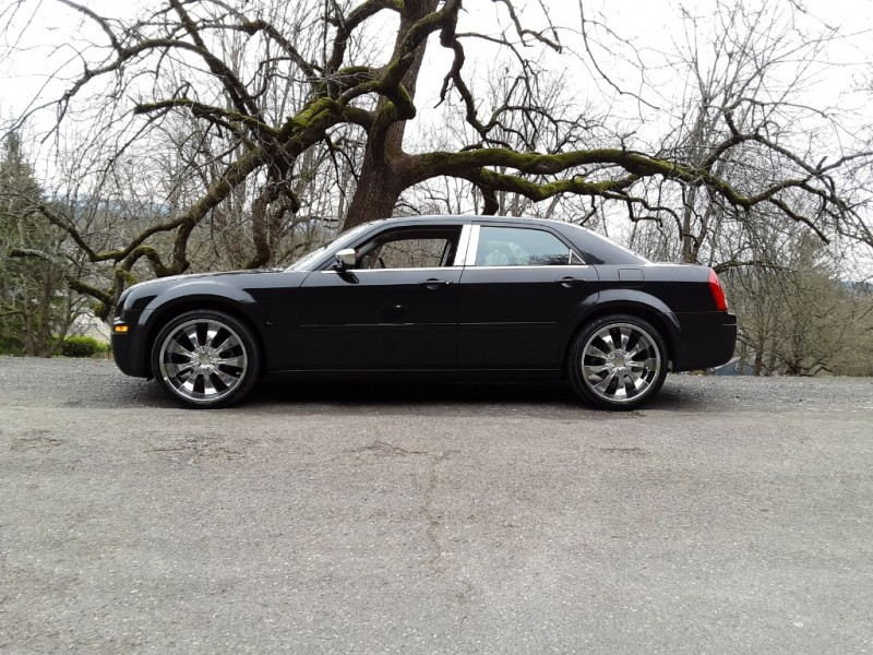 Chrysler 300-Series 2006 price $5,995