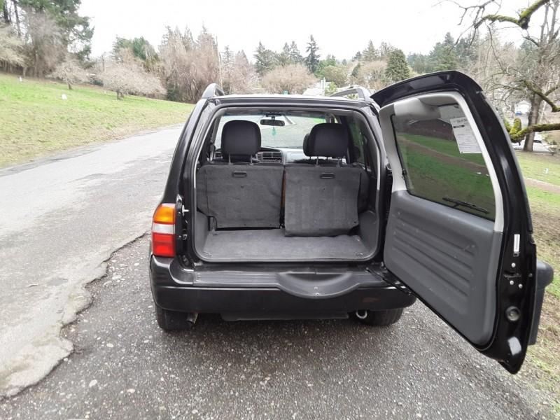 Suzuki Grand Vitara 2000 price $1,995