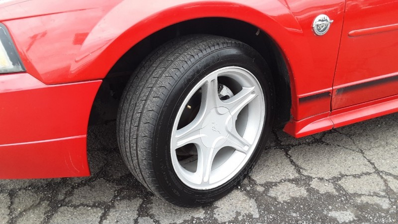 Ford Mustang 2004 price $3,995