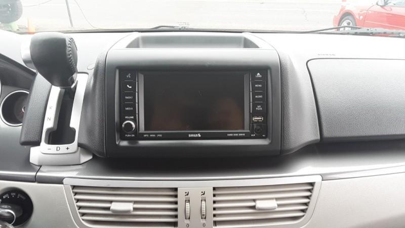 Volkswagen Routan 2010 price $9,995