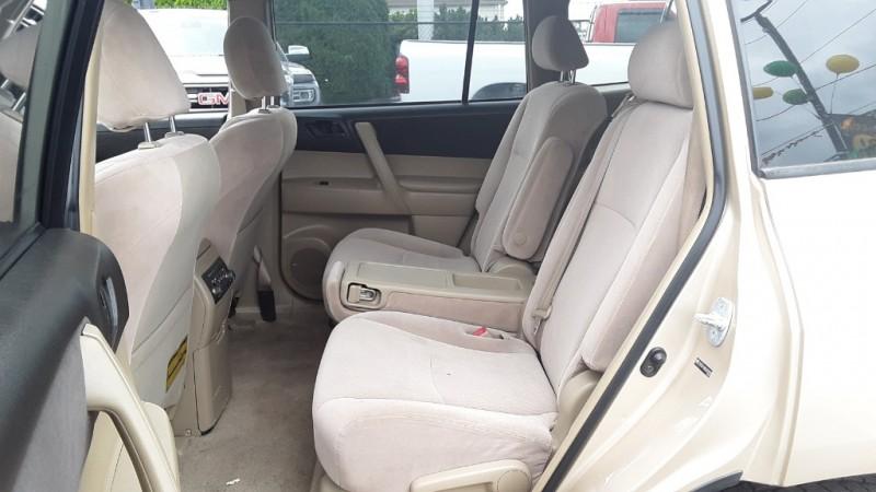 Toyota Highlander 2008 price $9,495