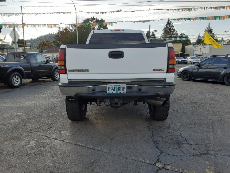 GMC Sierra 2500HD 2004 price $12,995