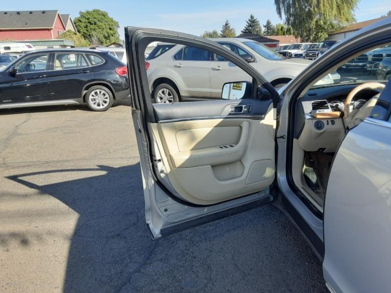 Lincoln MKS 2009 price $8,995