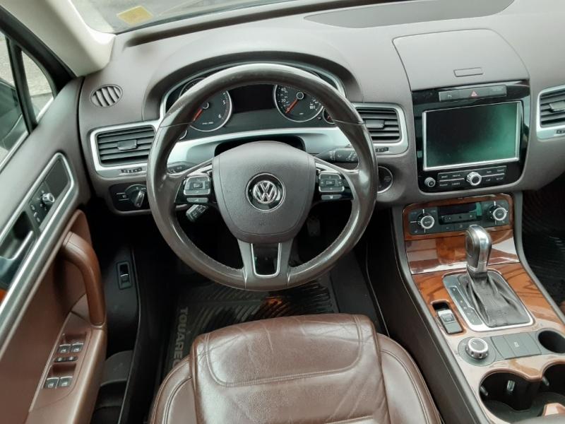 Volkswagen Touareg 2012 price