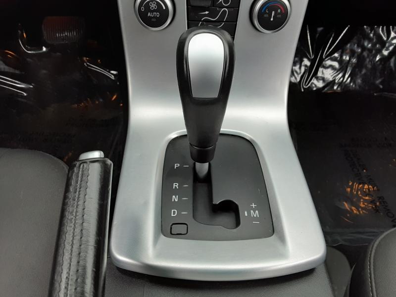 Volvo S 40 2010 price $7,888