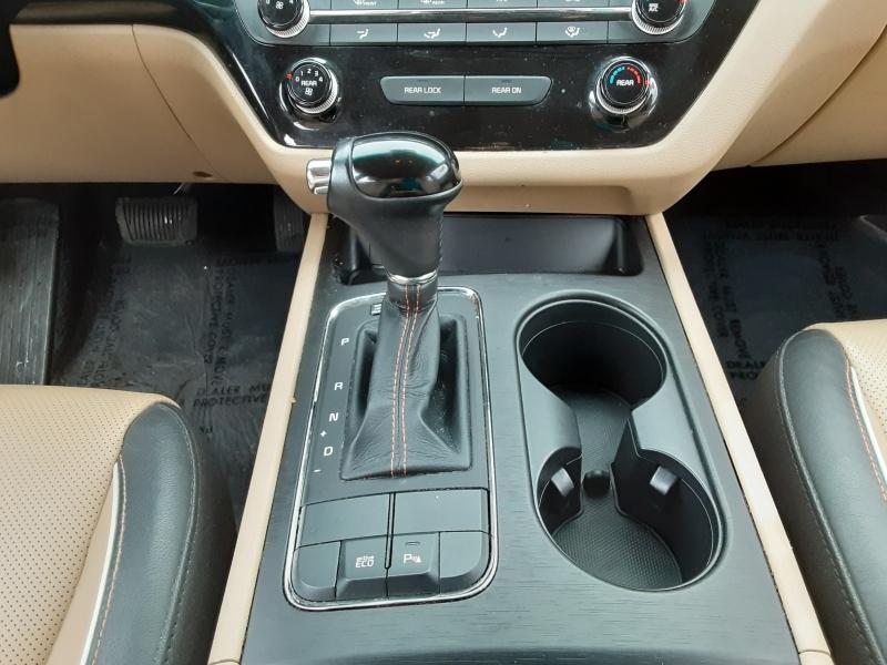 Kia Sedona 2016 price $14,495