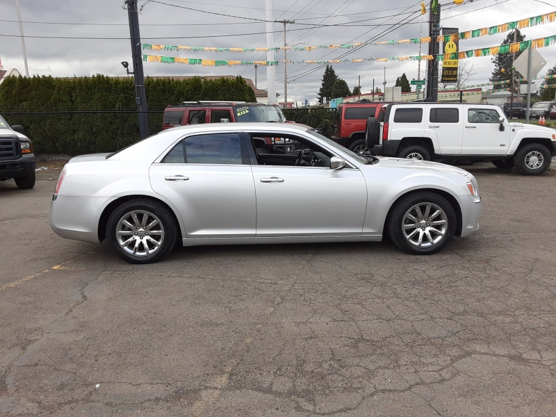Chrysler 300-Series 2012 price $11,495