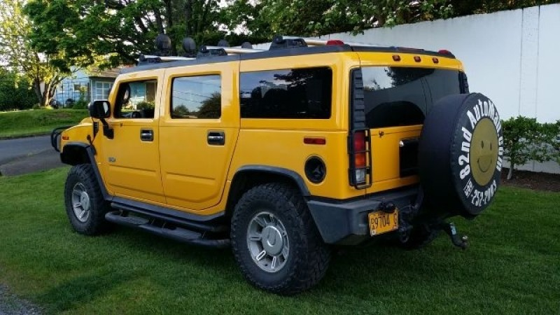 Hummer H2 2003 price $23,777
