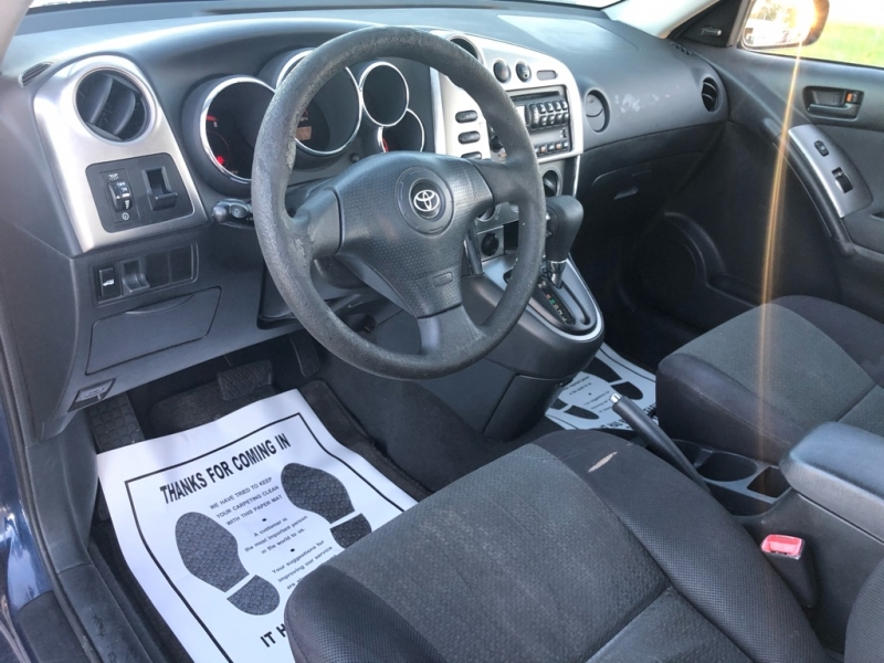 Toyota COROLLA MATRIX 2004 price $2,500