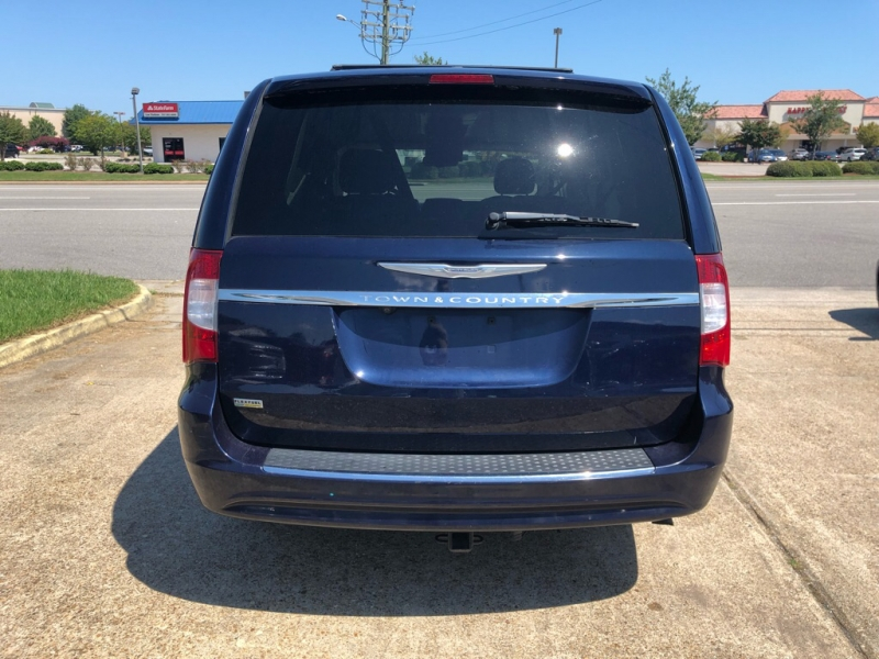 CHRYSLER TOWN & COUNTRY 2013 price $8,495