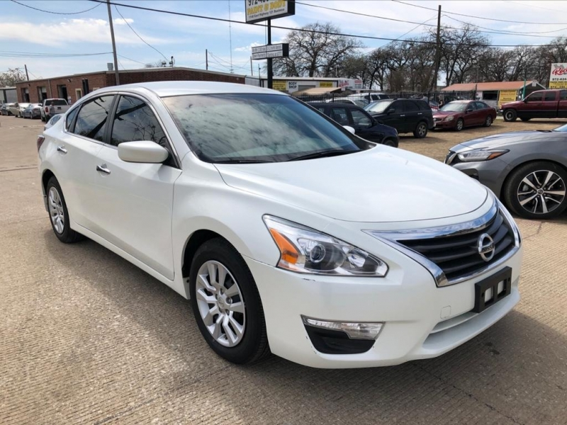 Nissan Altima 2014 price $8,977