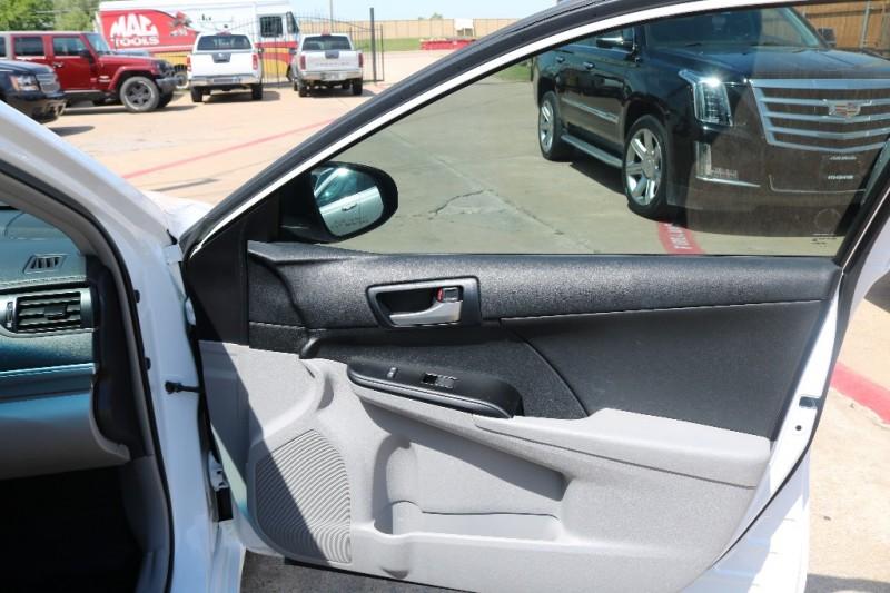 Toyota Camry 2013 price $8,577 Cash