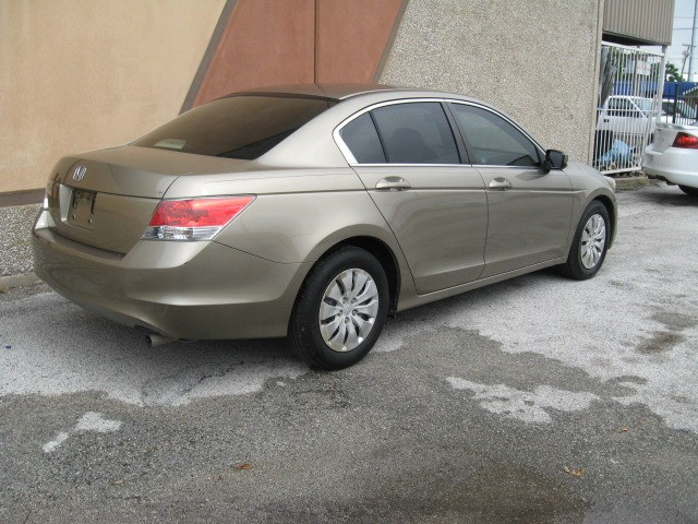 Honda Accord Sdn 2009 price $8,495