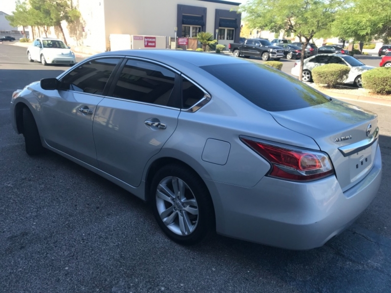 Nissan Altima 2015 price $8,800 Cash