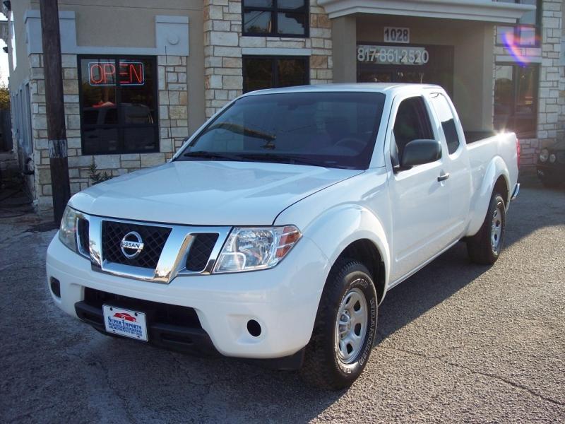 Nissan Frontier 2016 price $10,995 Cash
