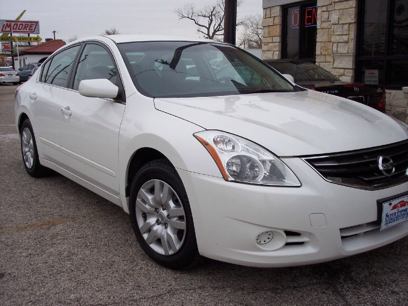 Nissan Altima 2012 price $7,986 Cash