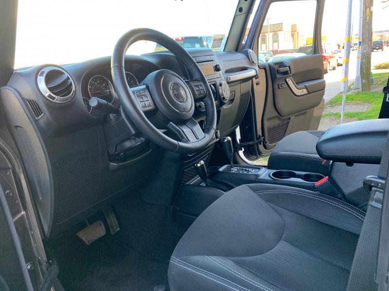 Jeep Wrangler Unlimited 2016 price $29,900