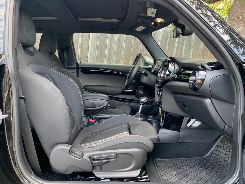 Mini Cooper Hardtop 2019 price $33,900