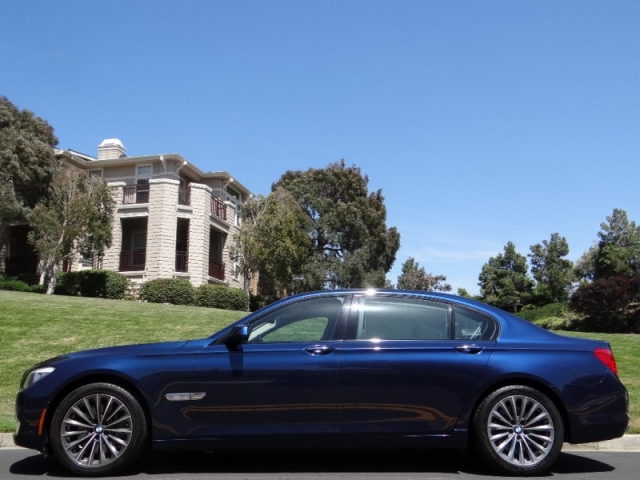 2011 BMW 7 Series 750Li Luxury Sedan
