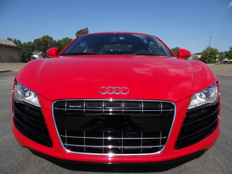Audi R8 5.2L V10 6 Speed 2012 price $97,500