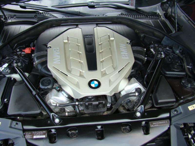 BMW 7-Series 2010 price $14,995