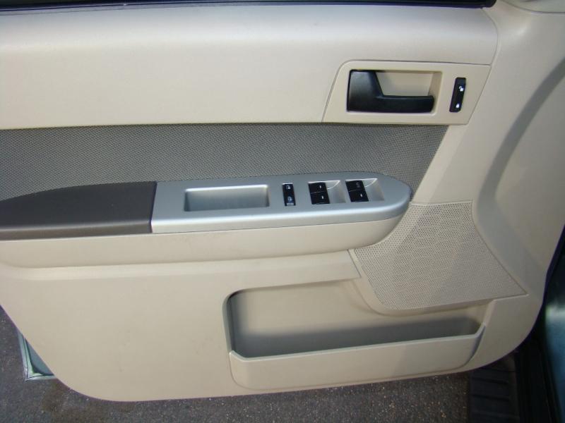 Ford Escape 2010 price $7,891