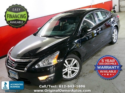 2014 Nissan Altima V6 3.5 SL NAVi absolutely stunning CLEAN