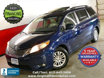 2011 Toyota Sienna 8-Pass Van V6 XLE leather and loaded!